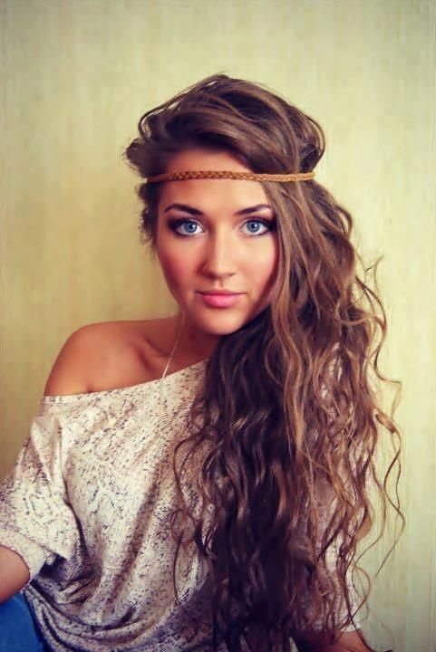 Boho-Chic Hairstyle for Wavy Hair