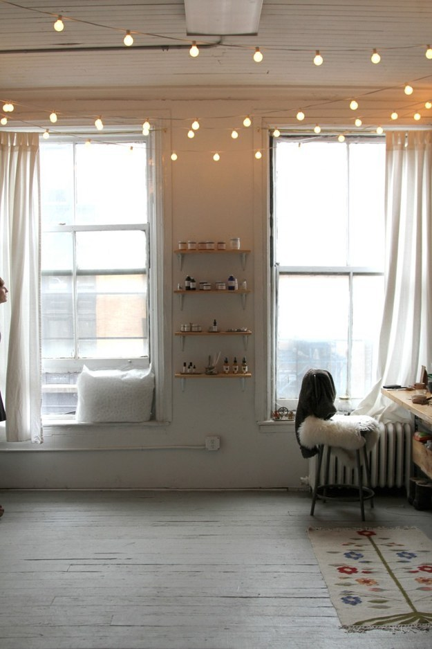 20 Ways to Decorate Your Home with String Lights - Pretty Designs