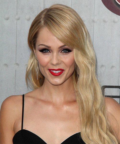 Buttery Blond Wavy Hair