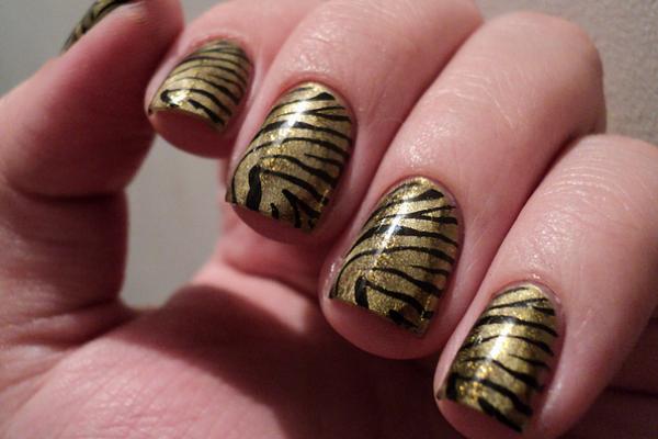Gold Tiger Nails