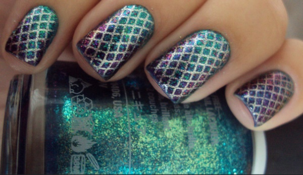 Green Fishnet Nail Design