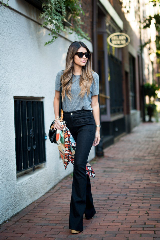 22 Chicest Ways to Wear Flared Jeans - Pretty Designs
