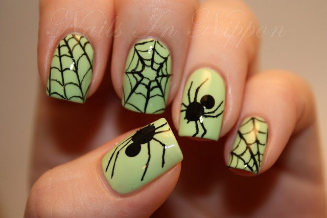 Halloween Nail Design - Spiders - 25 Horrifying Halloween Nail Designs - Pretty Designs