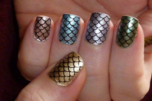 Metallic Fish Scale Nails