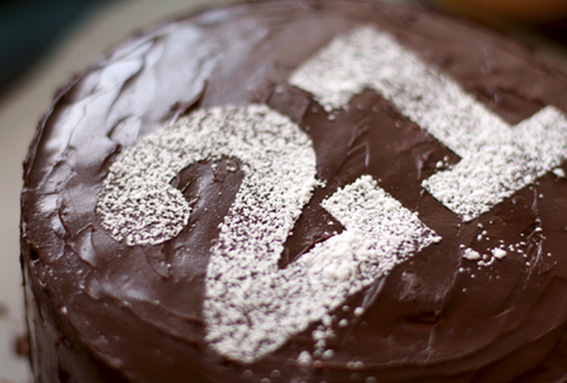 Number with powdered sugar