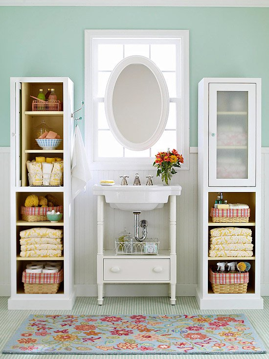 17 Ways to Maximize the Space in Your Bathroom - Pretty Designs