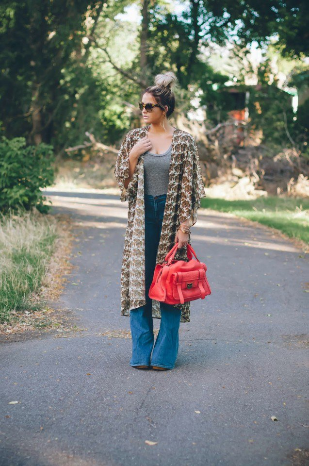 Print Coat with Flared Jeans