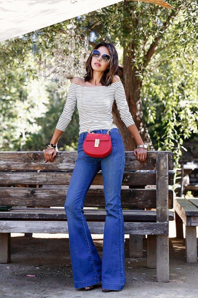 dc096a6a50 22 Chicest Ways to Wear Flared Jeans - Pretty Designs