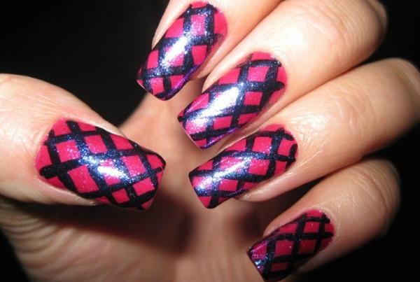 Wide Fishnet Nail Design