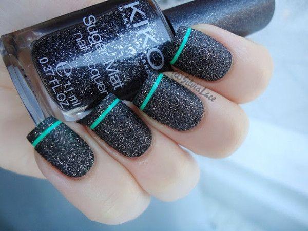 Schwarzer Glitzer Nail Design