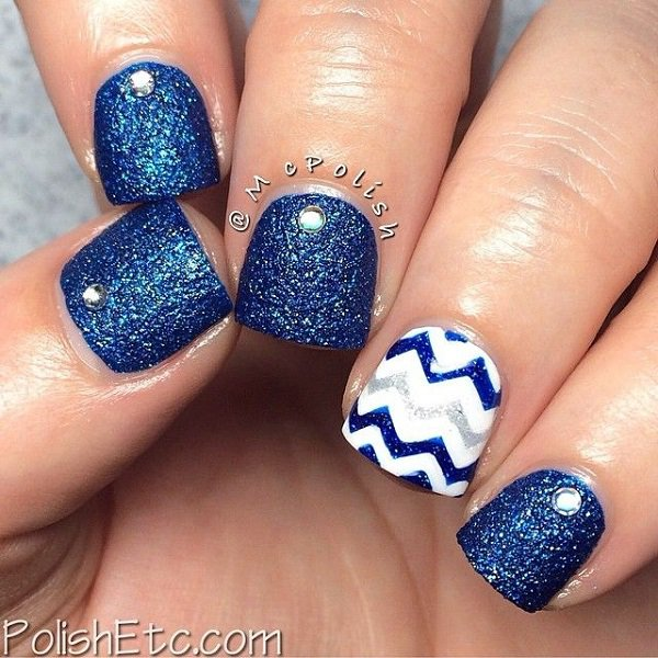 Blue Glitter Nail Design for Short Nails