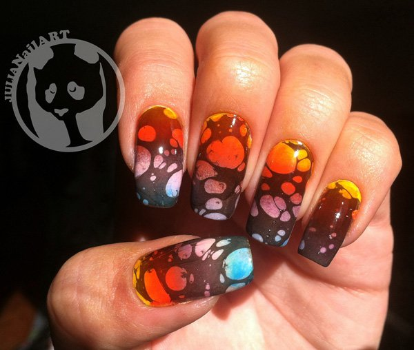Bubble Water Marble Nail Design