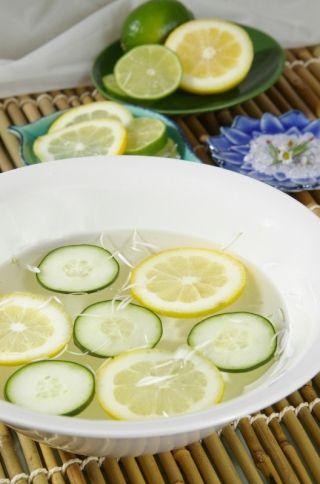 Cucumber and Honey Toner to Shrink Pores
