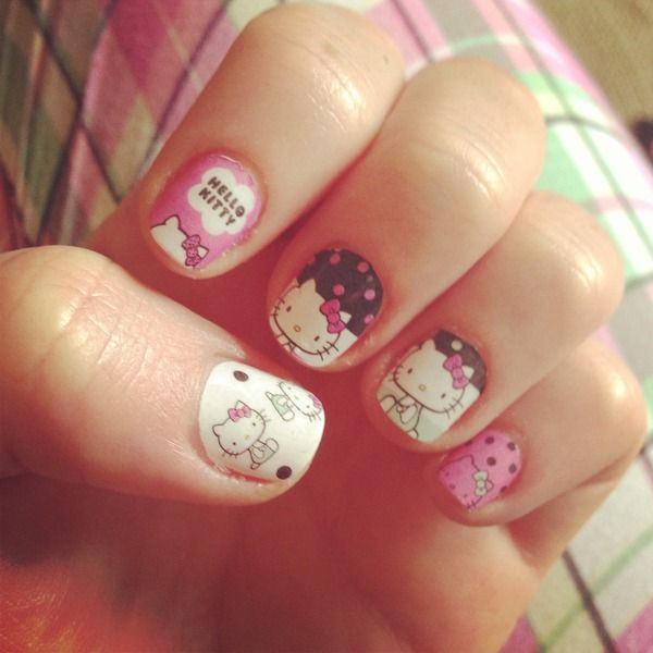 Cute Hello Kitty Nail Design for Short Nails