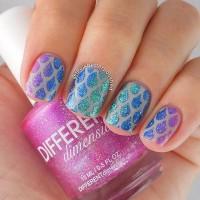 Droplet Glitter Nail Design