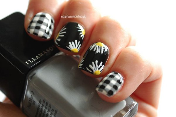 Floral Plaid Nail Design