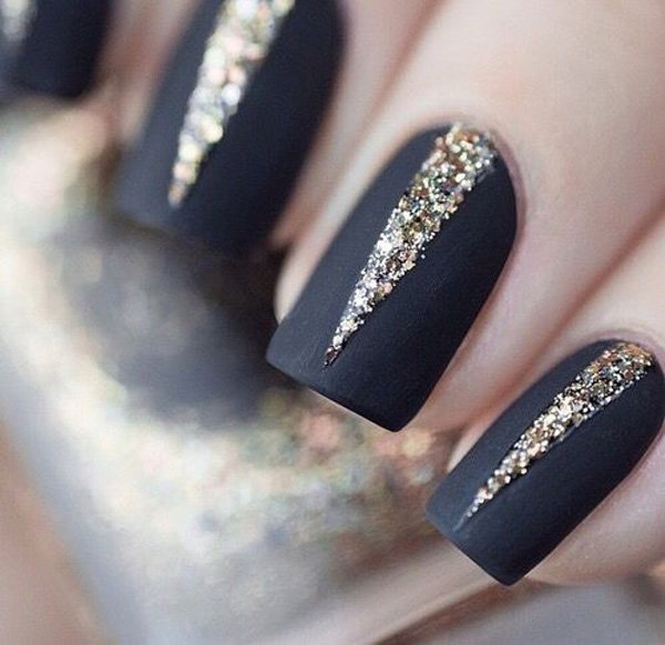 35 amazing glitter nail designs for 2016 pretty designs deep blue glitter nail design prinsesfo Images