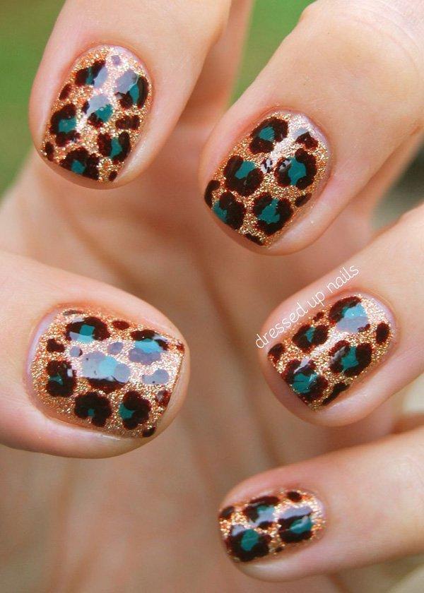 Gold Glitter Leopard Print Nail Design