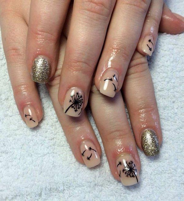 Gold und Nude Glitter Dandilion Nail Design