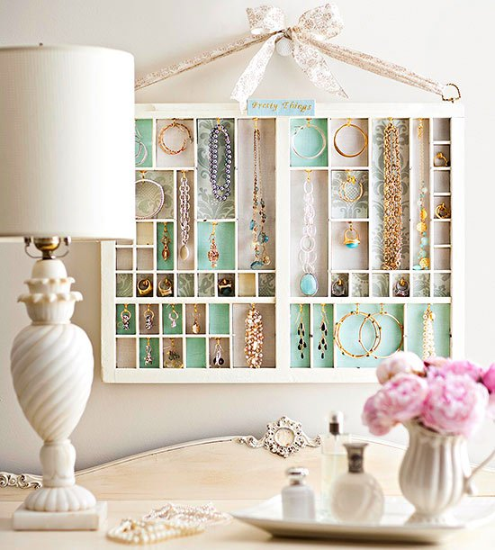 9 fancy ways to display your jewelry pretty designs - Ideas for storing jewellery ...
