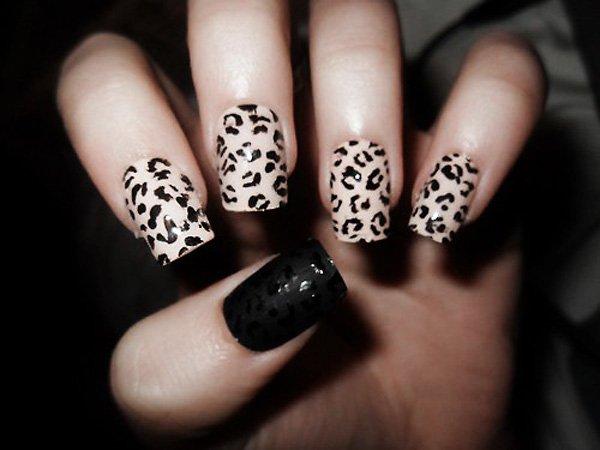 Classic Leopard Print Nail Design