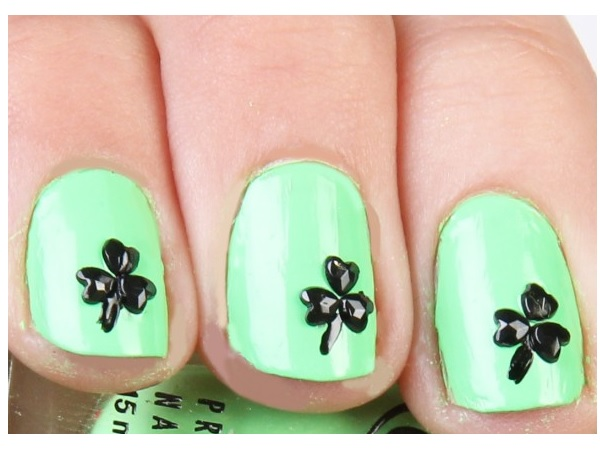Pastel Green Shamrock Nails