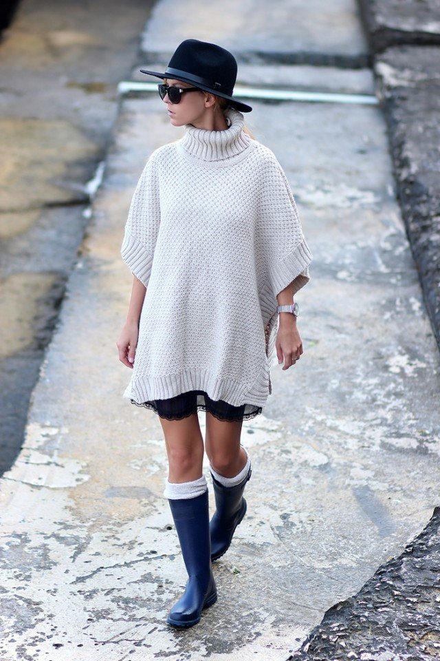 Rainy Boots with Knitted Dress