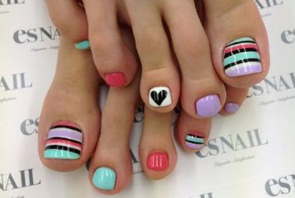 Trendy Striped Toenail Design