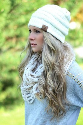 20 winter hair looks with hats you must adore  pretty designs