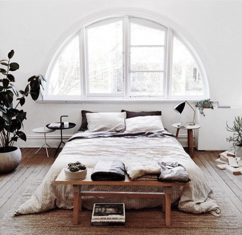 15 bedroom designs for a cozy winter pretty designs for Winter bedroom