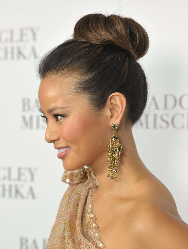 20 Glamorous Updo Hairstyles That Approved By Celebrities Pretty