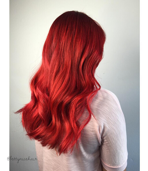 Long Wavy Hairstyle for Red Hair