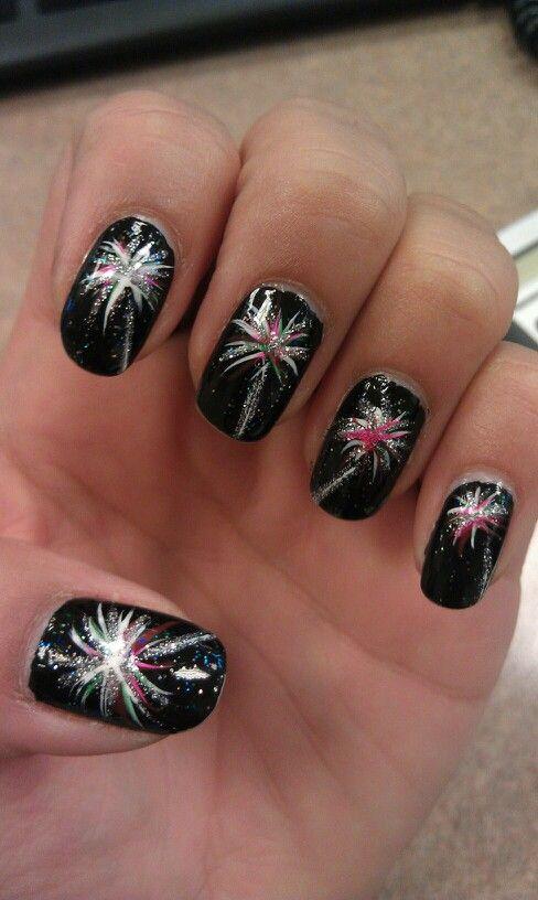25 Holiday Inspired Nails