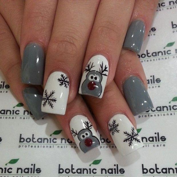 Adorable Christmas Themed Nails
