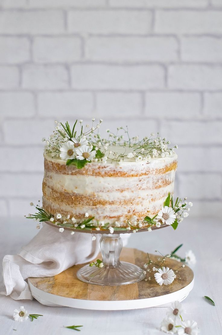26 small wedding cake ideas pretty designs beautiful wedding cake junglespirit Choice Image