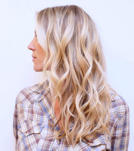 Charming Blond Wavy Hairstyle