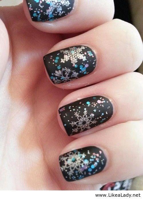 Cool Snowflake Nails