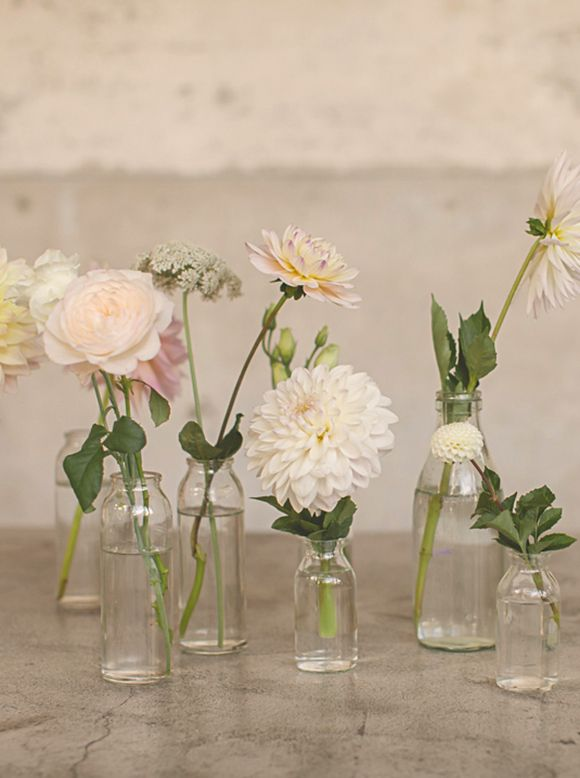 Pretty Designs & 23 Ideas for Spring Vase Arrangements - Pretty Designs