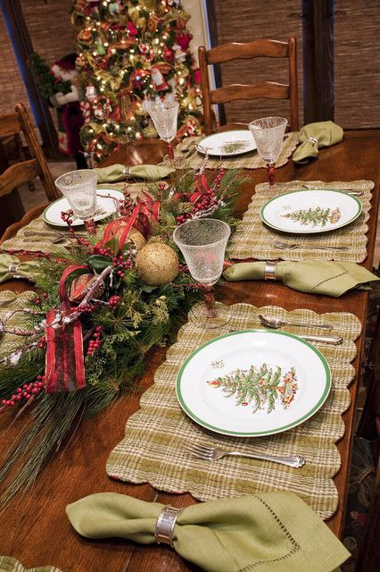 Holiday Tables 19