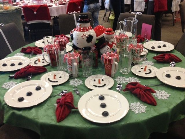 Holiday Tables 24