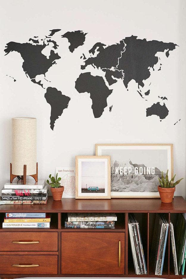 17 Home Decorating Ideas for People who Love Travel - Pretty Designs