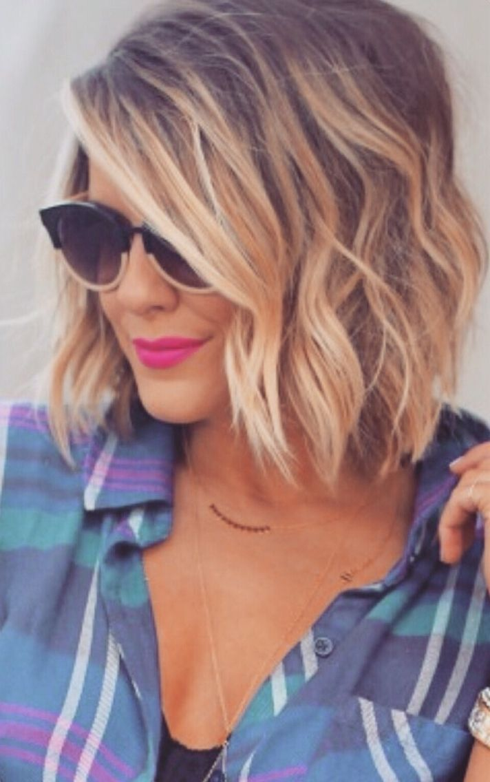 Beachy Wavy Bob Hairstyle