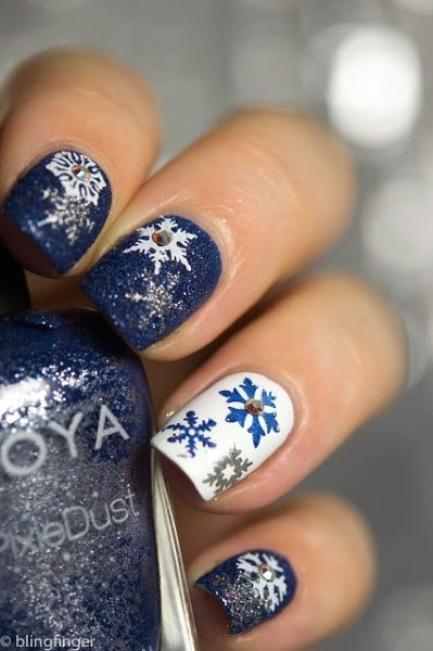 Pretty Snowflake Nails