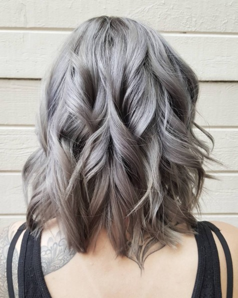 Shoulder Length Wavy Hairstyle for Grey Hair