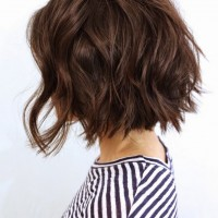 Side-View-of-short-wavy-bob-hairstyle
