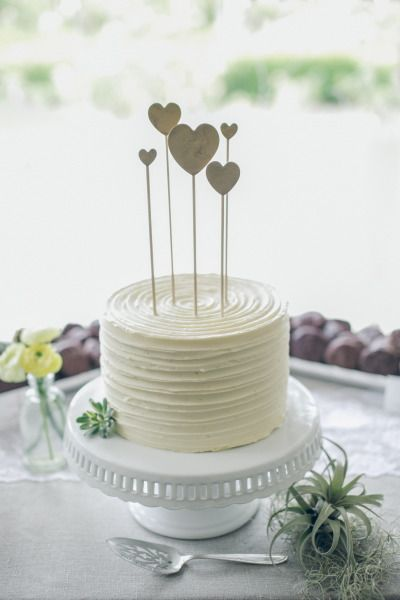 26 small wedding cake ideas pretty designs summer wedding cake junglespirit Images