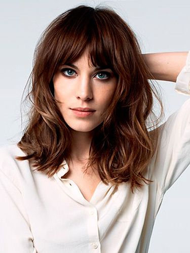 Shoulder Length Wavy Bob Hairstyle With Bangs