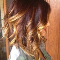 Wavy-Bob-Hairstyle-with-Sombre-Highlights