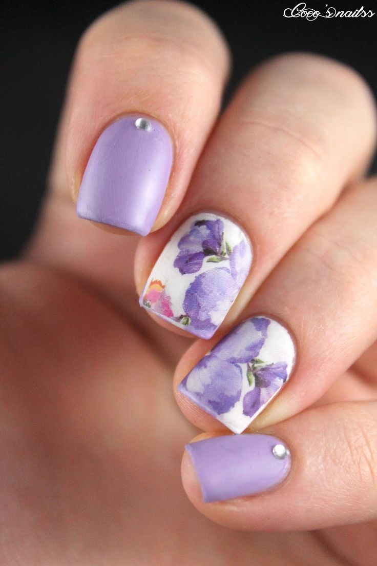 Floral Manicures For Spring And: 20 Floral Nails You Must Try For Spring