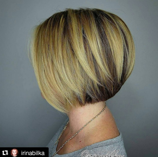 layered short straight bob hairstyle for short hair